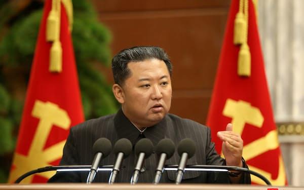 北朝鮮の金正恩総書記は軍備の増強や精度の向上に注力している=朝鮮中央通信・ロイター