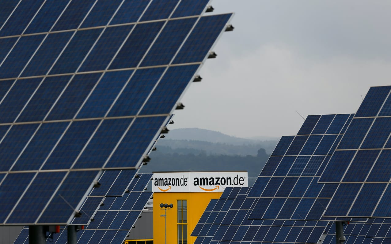 アマゾンは欧米でも再生エネ分野の取り組みに注力してきた(ドイツの出荷拠点、写真はイメージ)=ロイター