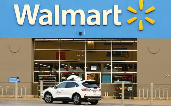 ウォルマートはフォードとアルゴAIが開発した自動運転車を活用し配送を効率化する(写真はフォード提供)