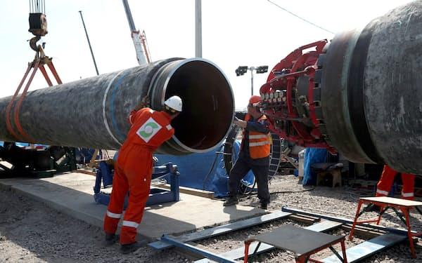 ロシアは天然ガスパイプライン、ノルドストリーム2の早期稼働を目指す(2019年、建設現場)=ロイター