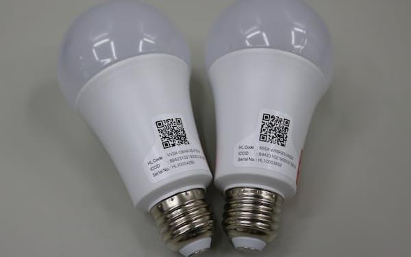 電球のQRコードを読み取ることで、スマホのアプリに通知が届く