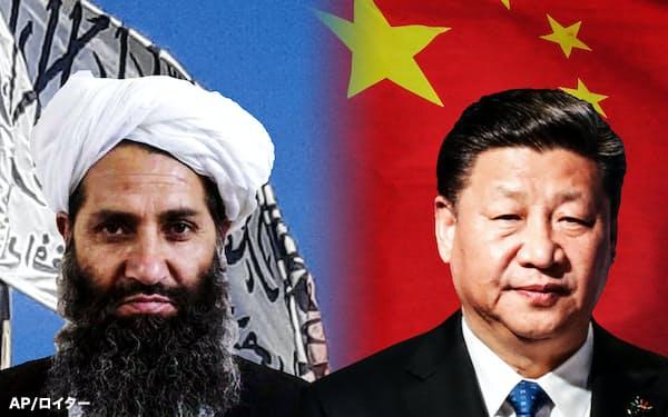 タリバンの最高指導者アクンザダ師(左)と中国の習近平国家主席の利害は一致点も多い=AP/ロイター