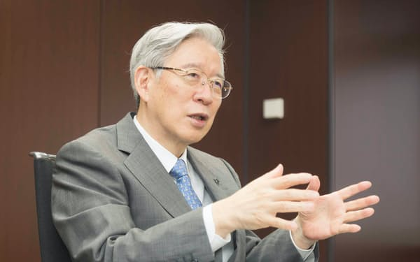 リンナイの内藤社長は「高効率給湯器を拡販してCO2の排出削減に貢献する」と話す