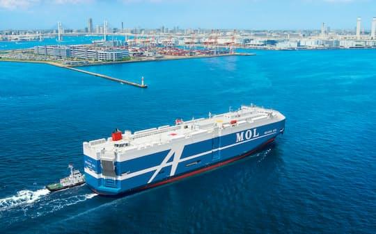 海運業界はアンモニア燃料船の実用化を急ぐ(写真は商船三井の現行の自動車運搬船)