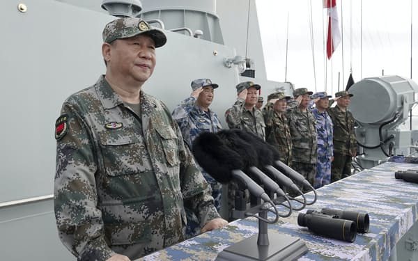 中国は台湾統一を「歴史的任務」として海軍力の増強に努めてきた=AP