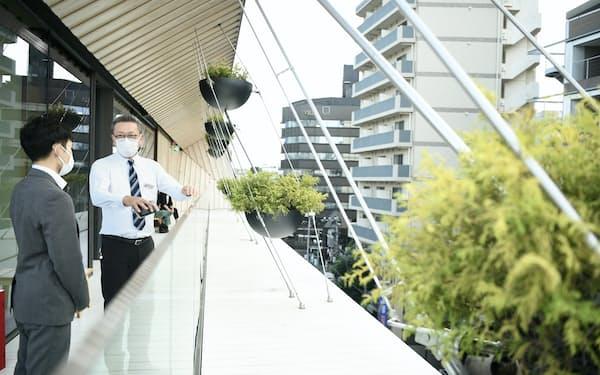 日本交通の隈研吾建築ツアーはタクシー運転手が案内して3時間で10カ所ほどを見て回る