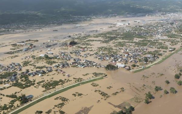八十二銀が地盤とする長野県は2019年の台風で、千曲川の堤防決壊などの被害を受けた(長野市、当時)