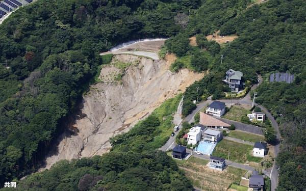 静岡県熱海市で発生した大規模土石流の起点=2日(共同通信社ヘリから)