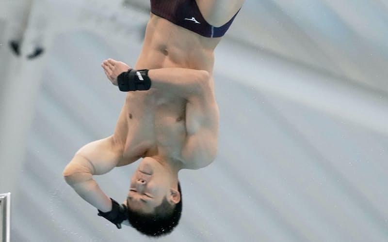 男子高飛び込みで優勝した玉井陸斗(19日、日環アリーナ栃木)=共同