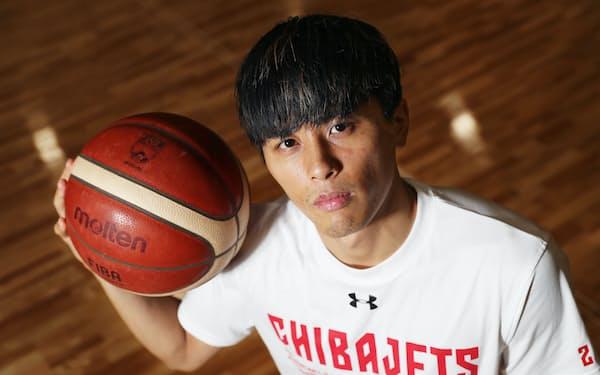 千葉の富樫勇樹は悲願のBリーグ制覇、東京五輪という濃密な経験を経て、新シーズンへ決意を新たにしている