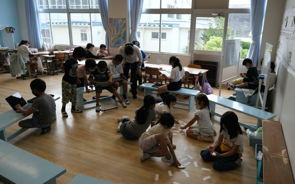 学年の異なる子どもが、自分の立てた計画に沿って学ぶ(広島県福山市立常石小学校)