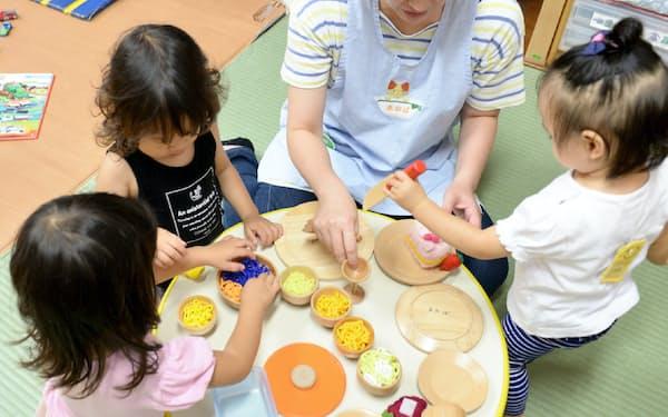 日本ではソーシャルセクターは「清貧」を美徳とする風潮が根強い(写真はNPO法人が運営する保育所)