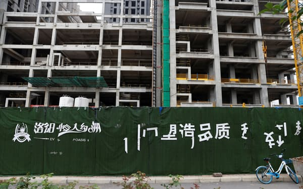 中国恒大集団の建設プロジェクトは各地で停止している(9月16日)=ロイター