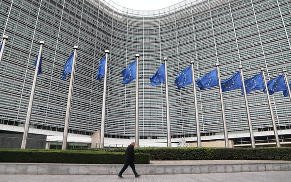 「つながらない権利」の法制化では、欧州が先行する(ベルギー・ブリュッセルの欧州委員会本部ビル)