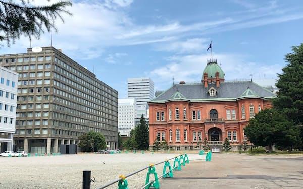北海道庁(3日、札幌市)