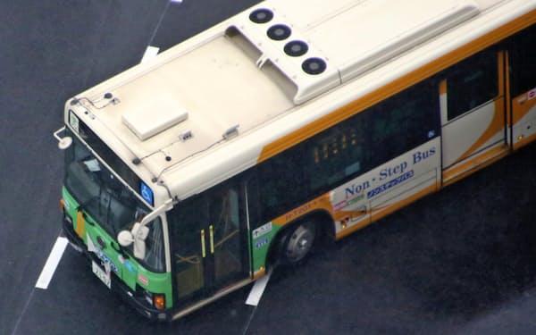 公共交通の運賃支払い方式の見直しが求められている
