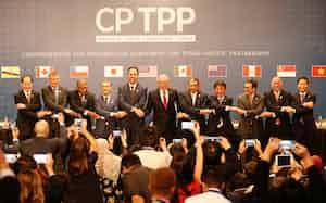 環太平洋経済連携協定(TPP)の11カ国のメンバーの結束が問われる(2018年3月、チリ・サンティアゴ)=ロイター