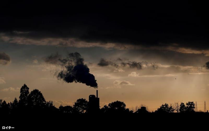 気候温暖化が金融機関にとっても大きなリスクとなりつつある=ロイター
