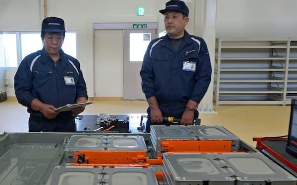 日産は電気自動車の充電池を再利用して販売する(福島県浪江町の浪江事業所)