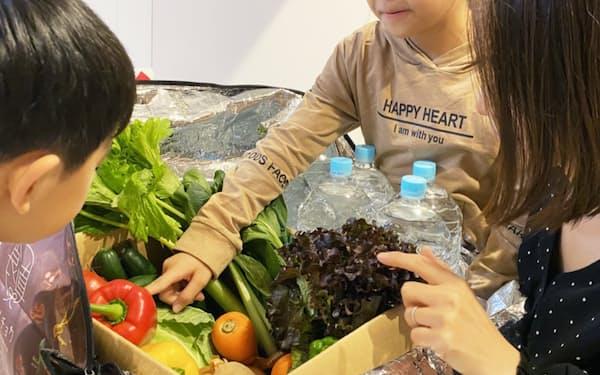 「食べチョクコンシェルジュ」では、生産者が野菜を直送する
