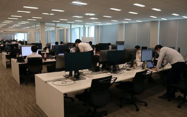 北国銀行本店内のシステム部。内製化にこだわり、個人や法人向けのシステムを立ち上げてきた