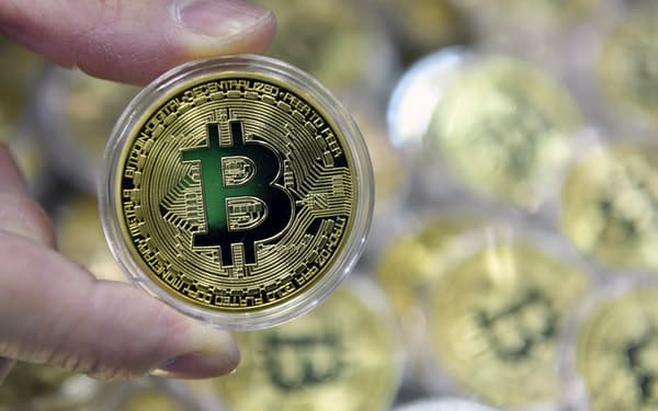 かつてはビットコインの取引もマイニングも8割以上が中国で行われているとされていた