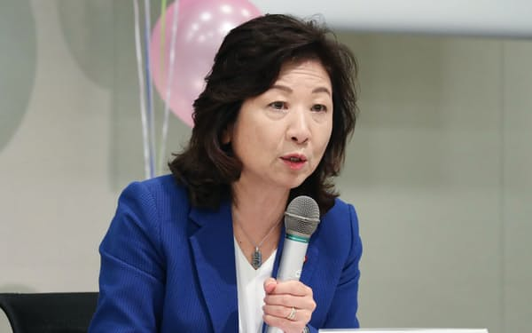 野田聖子氏(22日、国会内)