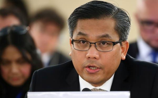 2019年3月、国連人権理事会で演説するミャンマーのチョー・モー・トゥン氏=ロイター
