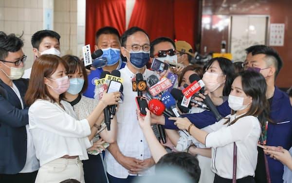 台湾最大野党、国民党の新しいトップに就く朱立倫氏(25日、新北市)=国民党提供