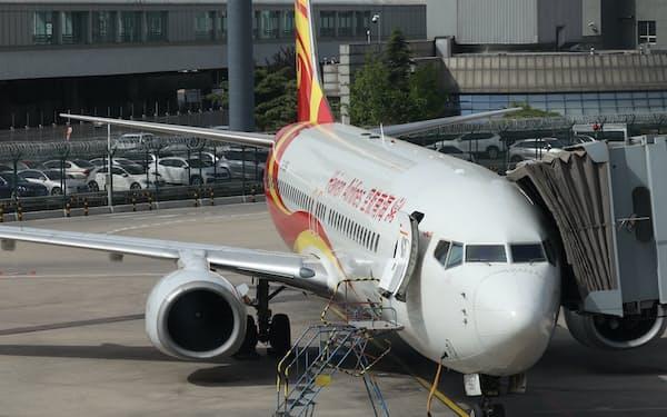 グループ中核の海南航空の経営安定には課題も多い(5月、北京市)