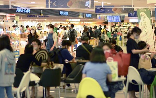 お盆休み期間終盤(8月中旬)の新千歳空港