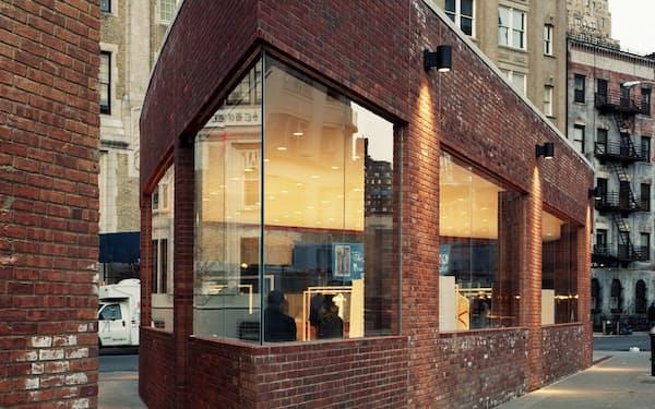 ニューヨークの旗艦店=Adrian Gaut撮影