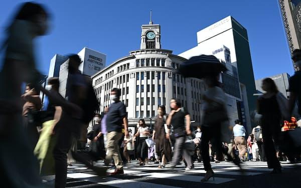 緊急事態宣言下の東京・銀座を行き交う人たち(2021年9月19日)