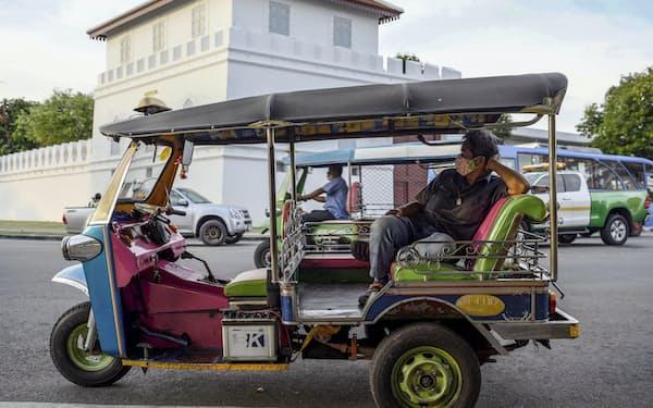 タイは観光客の減少で経済回復が遅れている=AP