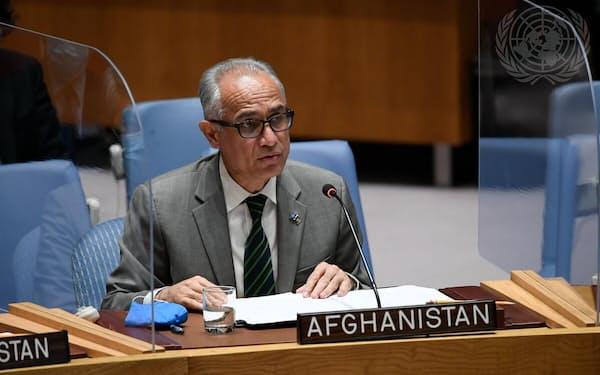 アフガニスタンのガニ旧政権を代表するイサクザイ国連大使=国連提供