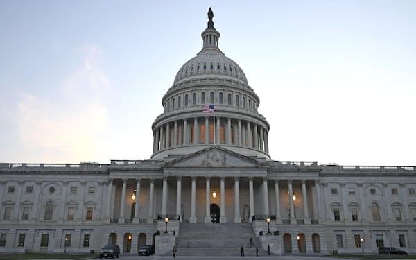 米首都ワシントンにある連邦議会議事堂(7月)=共同