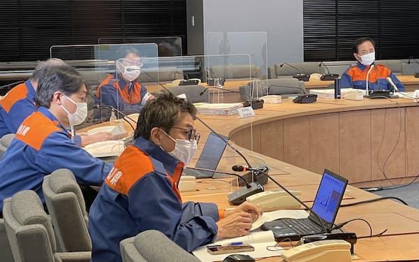 神奈川県が新型コロナの対策本部会議を開いて対応を議論した(28日、県庁)