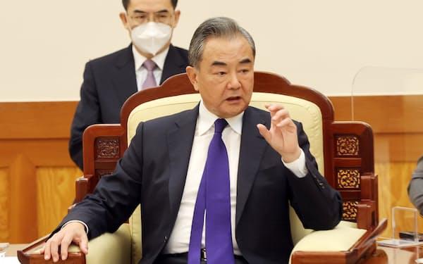 中国の王毅国務委員兼外相はTPP申請をアピールした(写真は15日)=ロイター