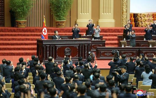 金正恩総書記が演説した29日の最高人民会議=朝鮮中央通信・ロイター