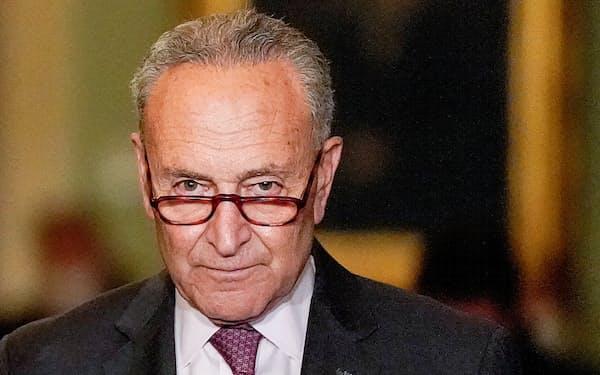 民主党の上院トップ、シューマー院内総務は債務上限問題で解決策を見いだせていない=ロイター