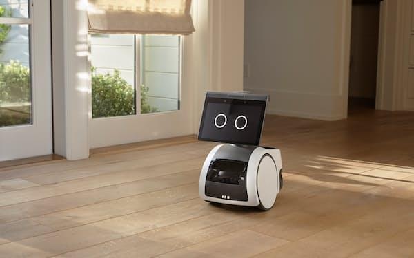 アマゾンの家庭用ロボット「アストロ」は監視機能も果たす(同社提供)=ロイター