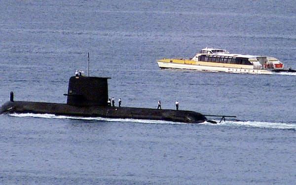 潜水艦開発計画の破棄が影響したとみられる(写真は豪州の潜水艦)=ロイター