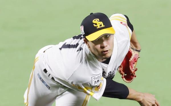 千賀は東京五輪で2試合無失点と好投し、リーグ戦に戻ってからも勝ち星を重ねている=共同