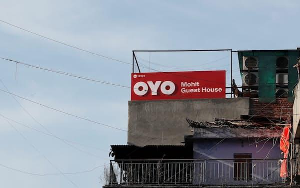 OYOは世界各国でホテル事業を展開している(2019年、ニューデリー)=ロイター
