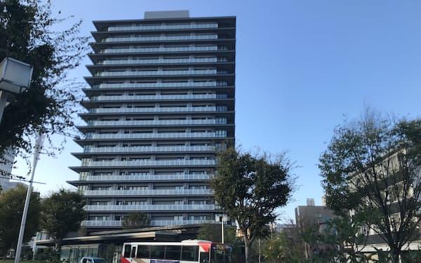金沢駅から徒歩8分の場所に立地する