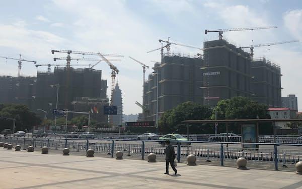 地方財政は不動産開発への依存が大きい(20年9月、江蘇省常州市)