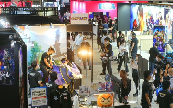 各社ゲームの世界観を表現したブースを設置した(9月30日、千葉市の幕張メッセ)