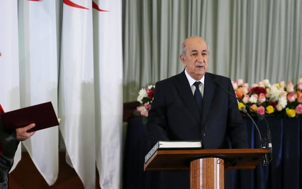 アルジェリアのテブン大統領=ロイター