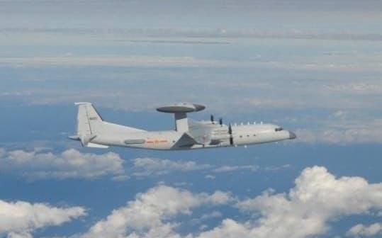 中国軍機が4日、再び台湾の防空識別圏に大量侵入した=国防部(国防省)提供