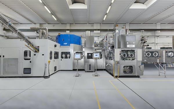 四国化工機が輸入販売する無菌PET成形充填システム